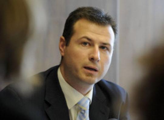 Poslanec Gál žiada reguláciu streleckých klubov